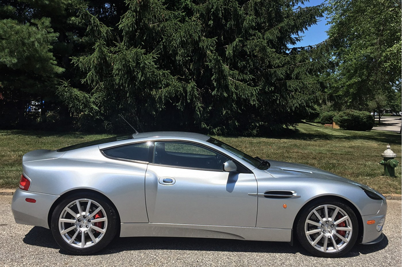 Aston Martin - Aston martin vanquish 2006 for sale